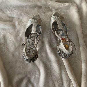 Gorgeous dressy silver heels by Gianni Bini